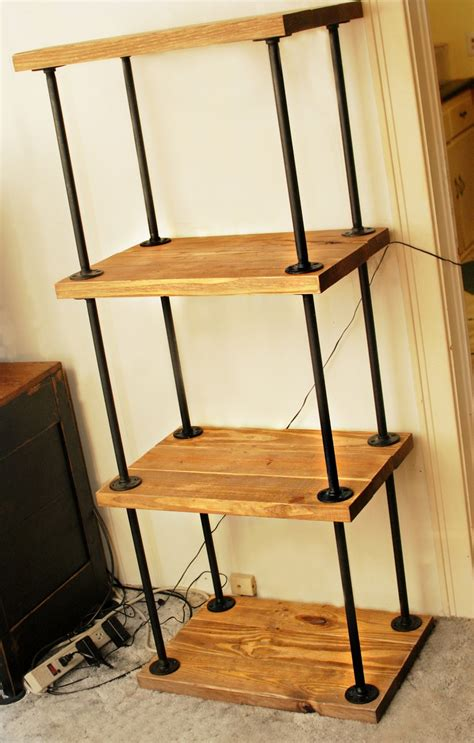 Diy-Pipe-Wood-Bookshelf