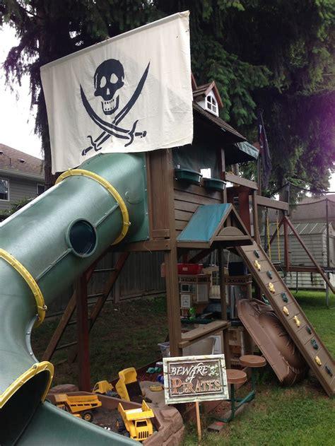 Diy-Pirate-Playhouse