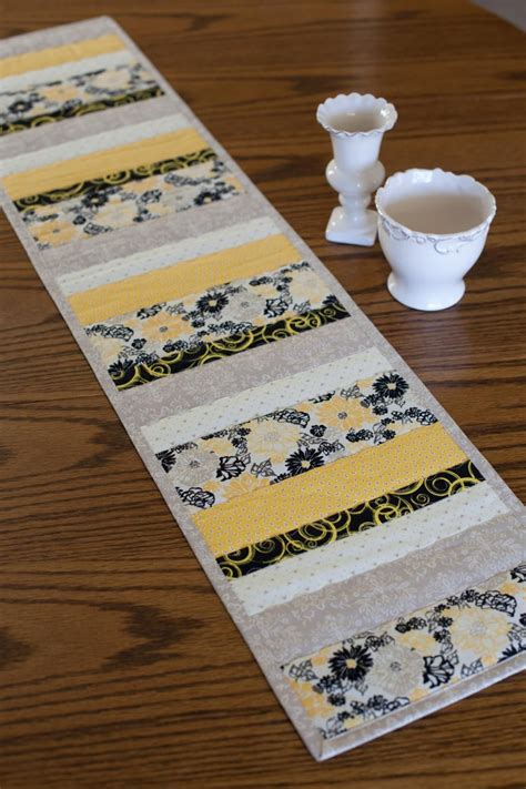 Diy-Plan-For-Quilted-Table-Runner