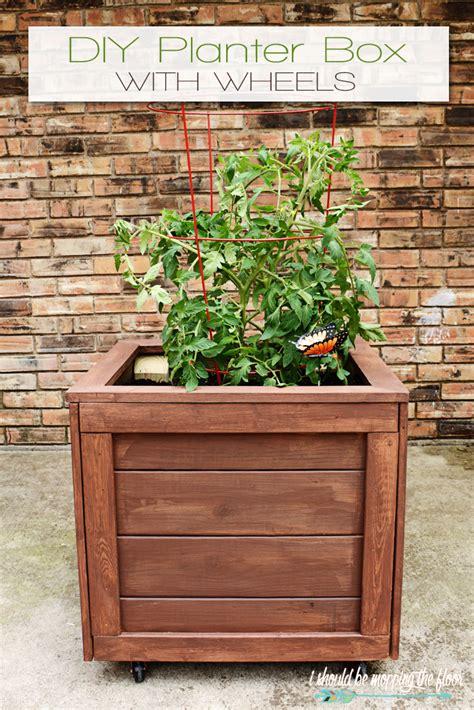 Diy-Planter-Box-With-Wheels