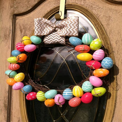 Diy-Plastic-Easter-Egg-Wreath