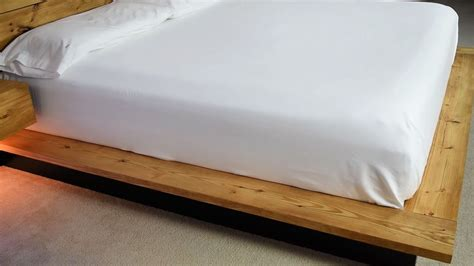 Diy-Platform-Bed-With-Floating-Night-Stands