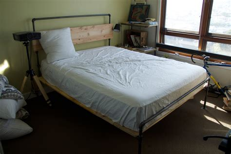 Diy-Plumbing-Pipe-Bed-Frame