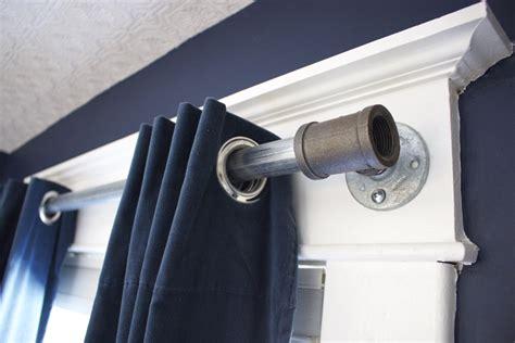 Diy-Plumbing-Pipe-Curtain-Rod