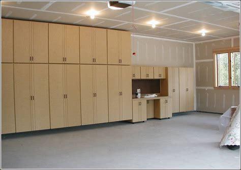 Diy-Plywood-Garage-Door
