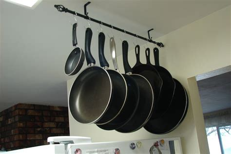 Diy-Pot-Rack-With-Shower-Curtain