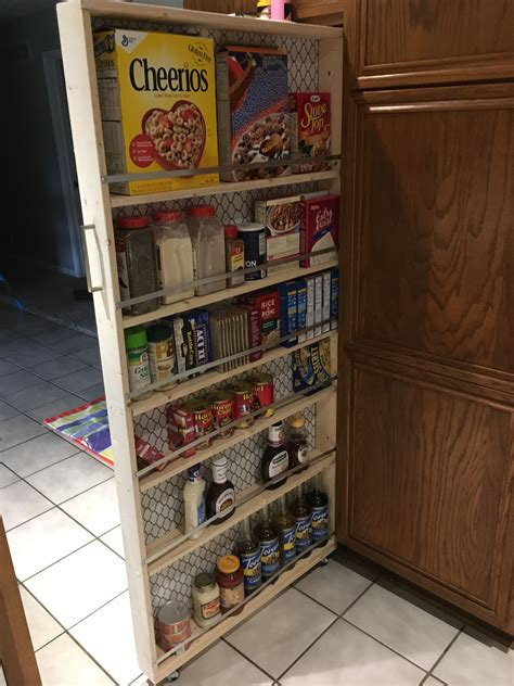 Diy-Pull-Out-Pantry