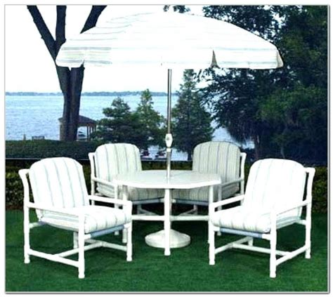 Diy-Pvc-Pool-Furniture