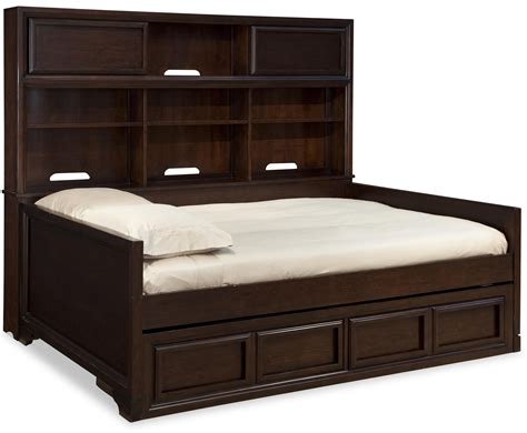 Diy-Queen-Bookcase-Daybed