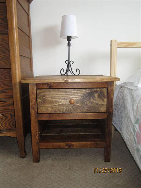 Diy-Reclaimed-Wood-Bedside-Table
