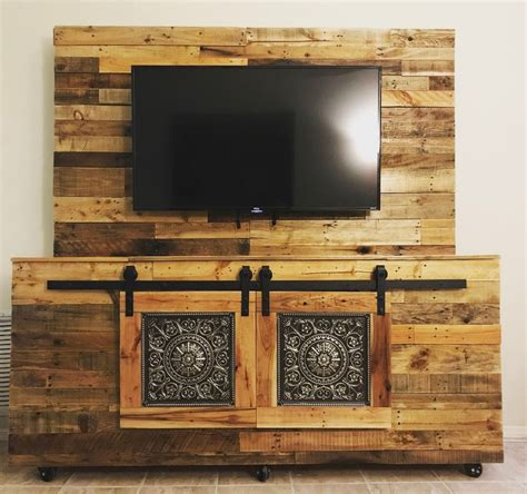 Diy-Reclaimed-Wood-Entertainment-Center