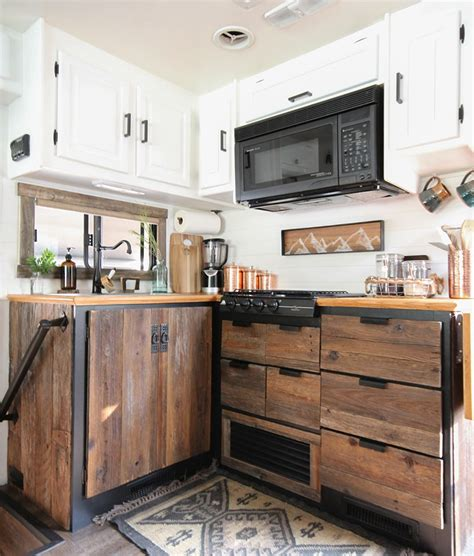 Diy-Reclaimed-Wood-Kitchen-Cabinets