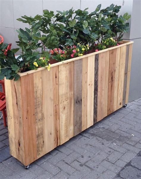 Diy-Reclaimed-Wood-Planter