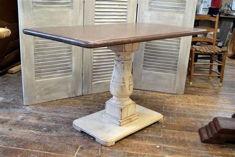 Diy-Rectangle-Pedestal-Dining-Table