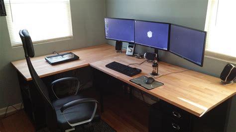 Diy-Reddit-Corner-Desk