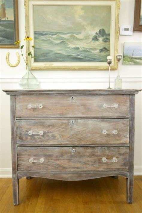 Diy-Refinish-Old-Dresser