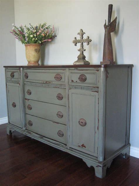 Diy-Refinishing-Painted-Furniture