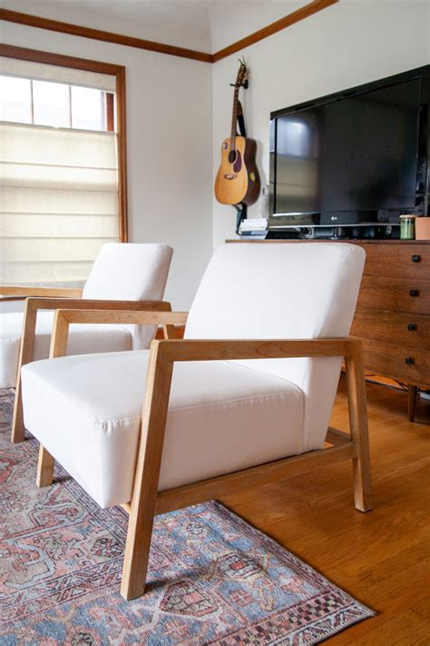 Diy-Reupholstering-A-Living-Room-Chair