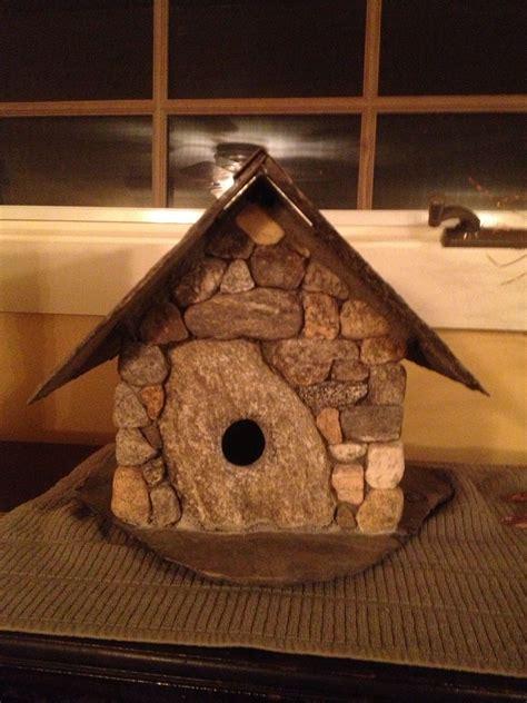 Diy-Rock-Birdhouse