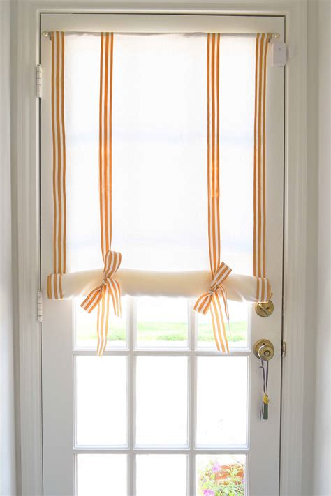 Diy-Roll-Up-Curtains
