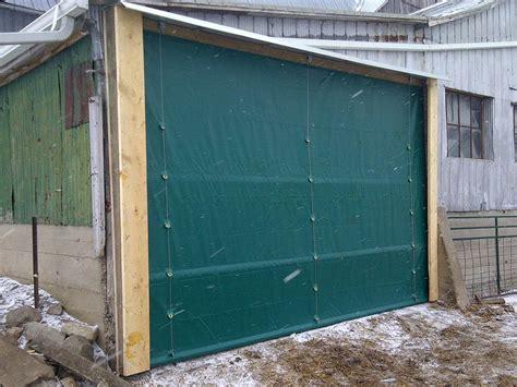 Diy-Roll-Up-Tarp-Door