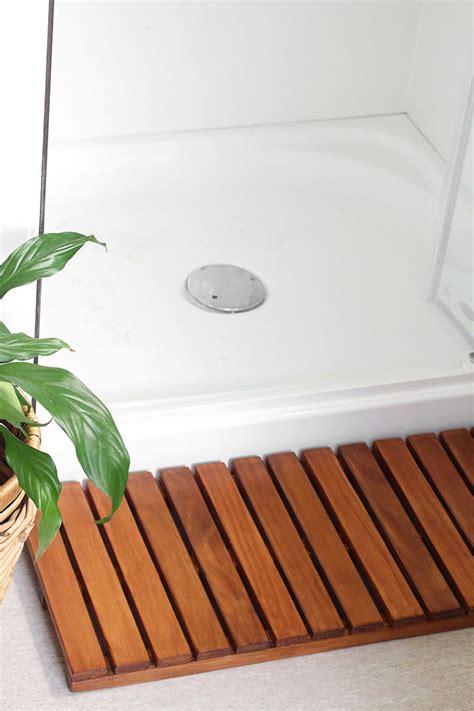 Diy-Rollable-Wood-Shower-Mat