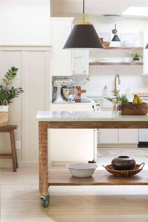 Diy-Rolling-Dining-Table