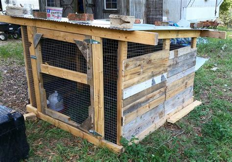 Diy-Round-Chicken-Coop-Out-Of-Fence