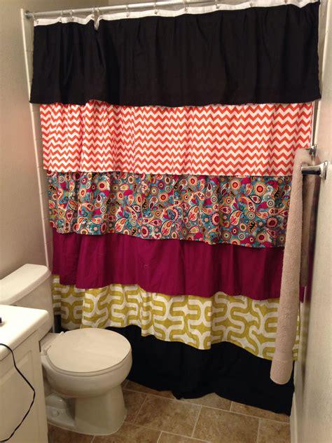 Diy-Ruffle-Shower-Curtain