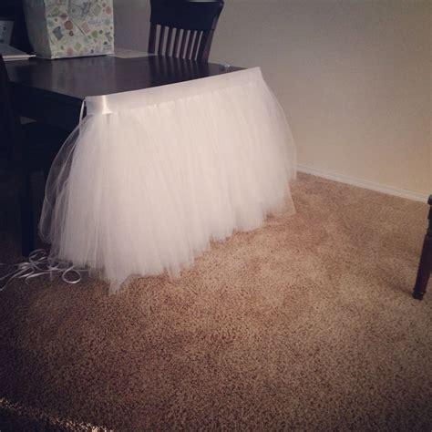Diy-Ruffled-Tulle-Table-Skirt