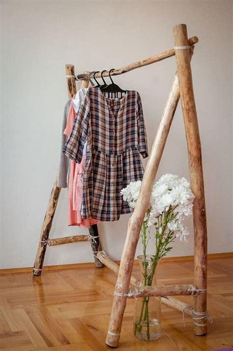Diy-Rustic-Clothing-Rack