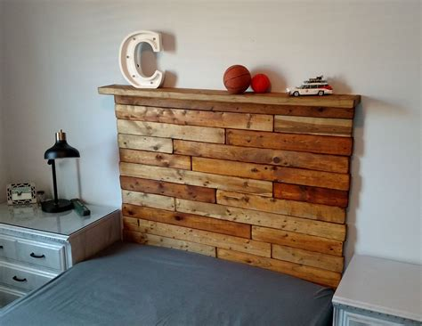 Diy-Rustic-Headboard-With-Compartments