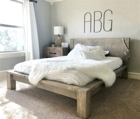 Diy-Rustic-Queen-Bed-Frame