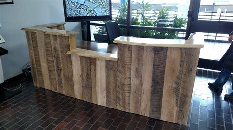 Diy-Rustic-Reception-Desk