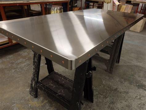 Diy-Rustic-Sheet-Metal-Kitchen-Table
