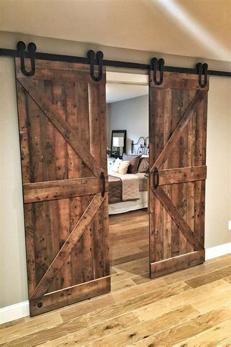 Diy-Rustic-Sliding-Barn-Door