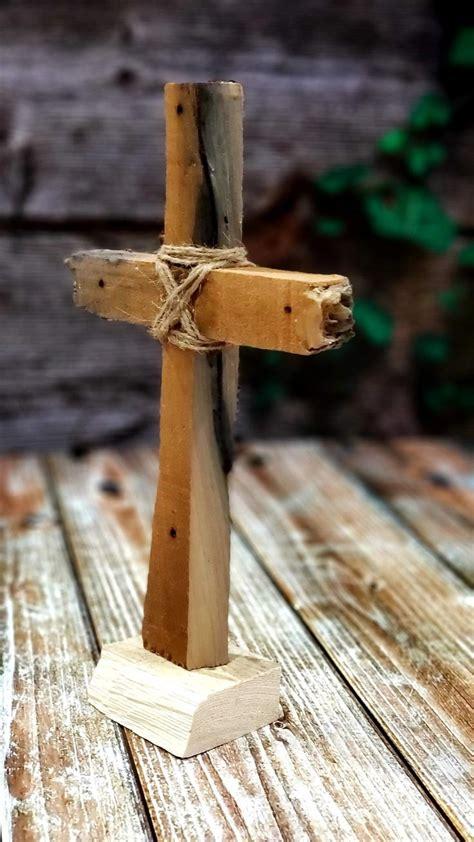 Diy-Rustic-Wood-Cross