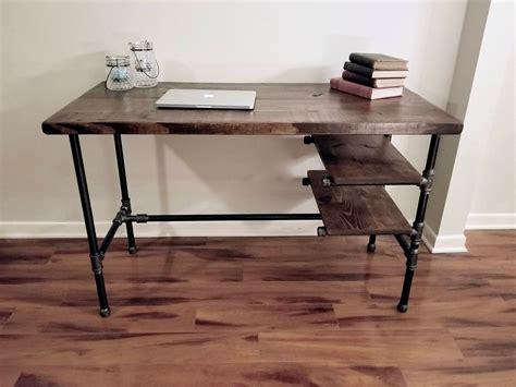 Diy-Rustic-Wood-Metal-Pipe-Desk