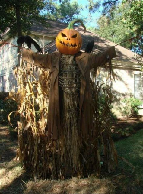 Diy-Scary-Scarecrow