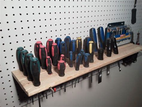Diy-Screwdriver-Organizer-Wood