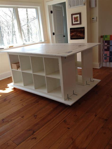 Diy-Sewing-Work-Table