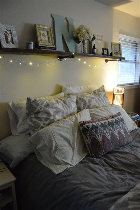 Diy-Shelf-Above-Bed