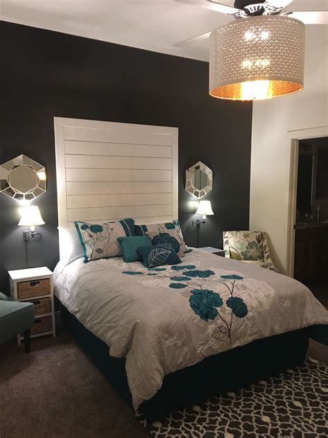 Diy-Shiplap-Headboard-Queen