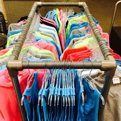 Diy-Shirt-Display-Rack