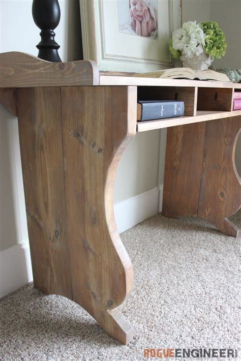 Diy-Sicily-Writing-Desk