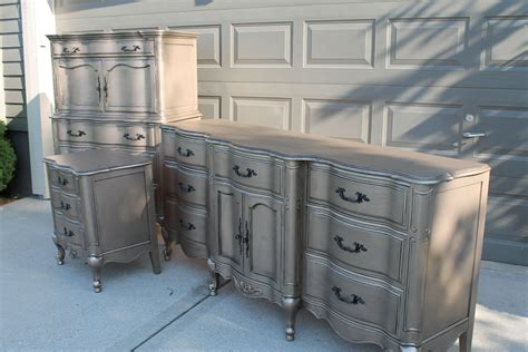 Diy-Silver-Furniture