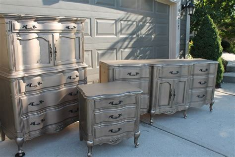 Diy-Silver-Furniture-Finish