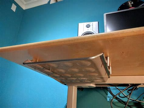 Diy-Sliding-Shelf-Under-Desk-Mount