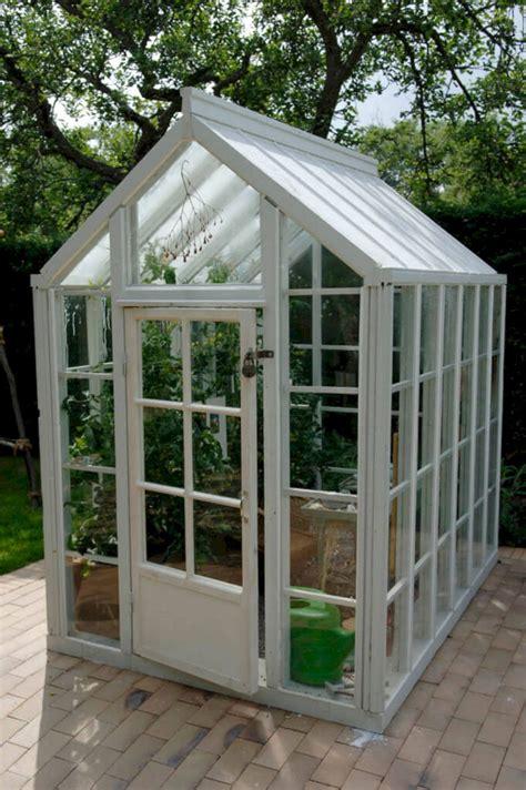 Diy-Small-Apt-Patio-Greenhouse