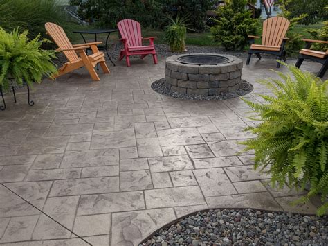 Diy-Small-Patio-With-Cement